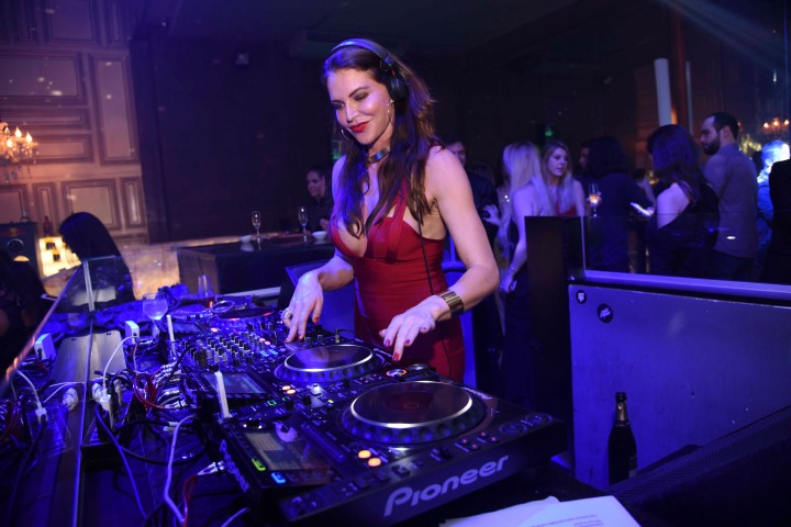 A DJ Sophia Dalla Voguet