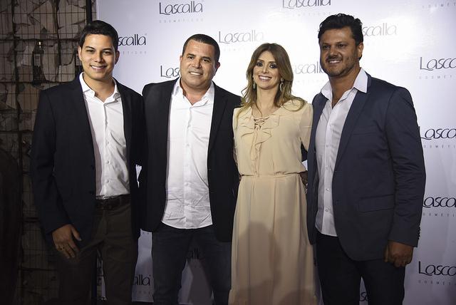 Os empresários Fernando Lima e Fernando Filho, a farmacêutica Regina Lasmar e o odontólogo Rildo Lasmar na festa de lançamento da Lascalla