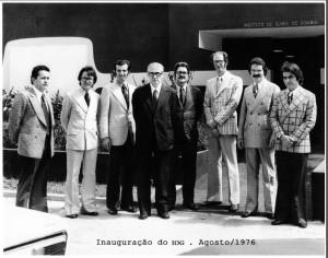 Corpo clínico do Instituto de Olhos de Goiânia em 1976.