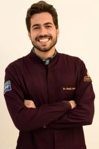 Danillo Ferreira - Odontólogoespecializado em Dentística, com ênfase em aumento de Coroa Clínica.