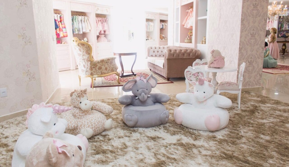Loja de roupas infantis Amoreco inaugura nova sede com espaço lúdico